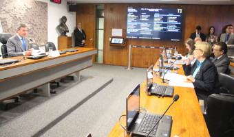 CRE aprova protocolo para eliminar comércio ilícito de produtos do tabaco