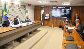 Gerar empregos combate a fome, diz ministro da Fazenda na CAE