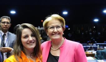 Jovens senadores tomam posse em Brasília