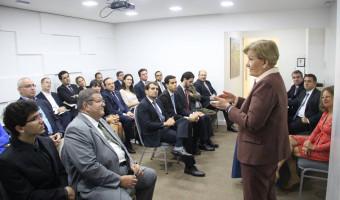 Reunião na Câmara Americana de Comércio debate reformas e eleição presidencial