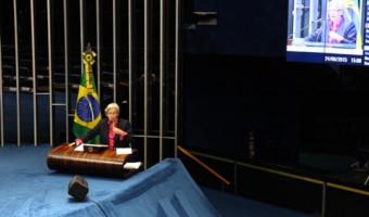 Corte do governo em programas para a formação de professores é criticado por Ana Amélia