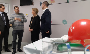 Referência na Serra, Hospital Tacchini recebe apoio da senadora Ana Amélia