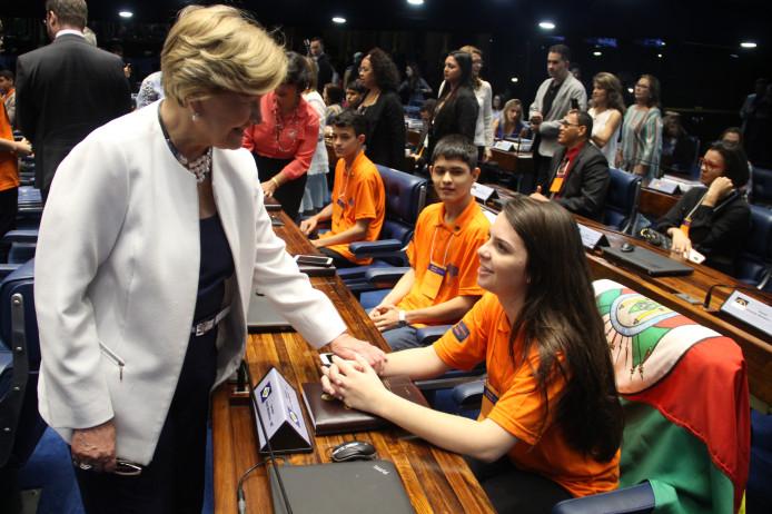 Estudante de Dois Irmãos é a representante gaúcha do Projeto Jovem Senador
